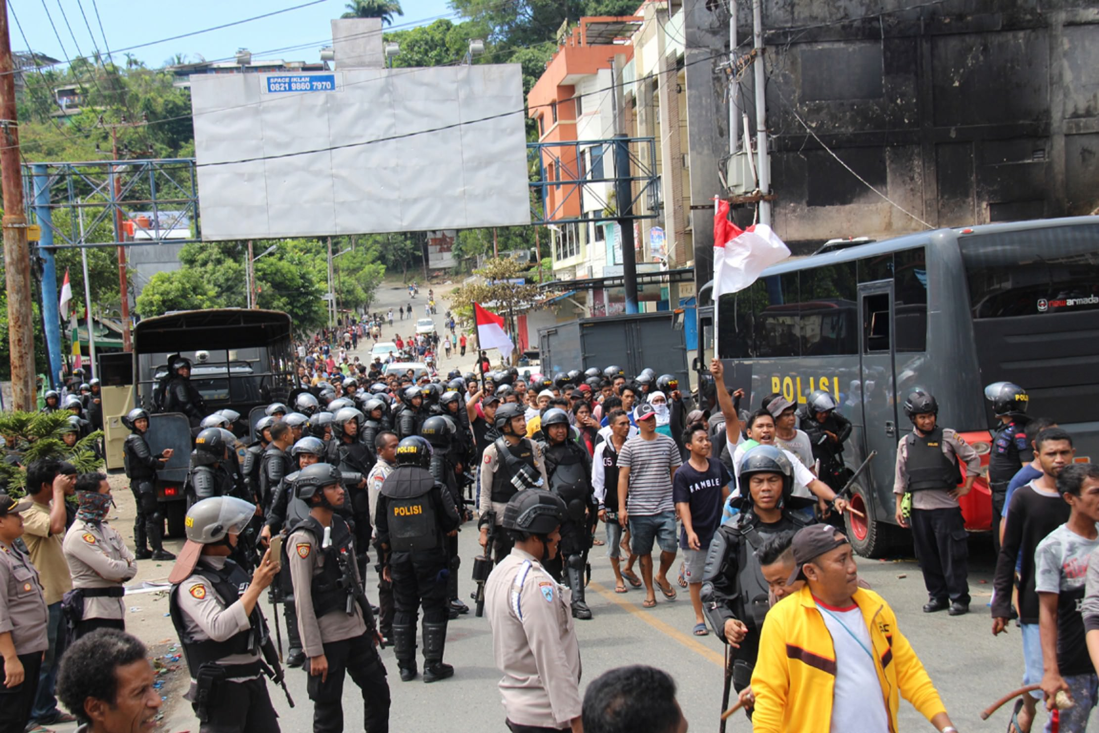 Jokowi Diminta Ngantor di Papua