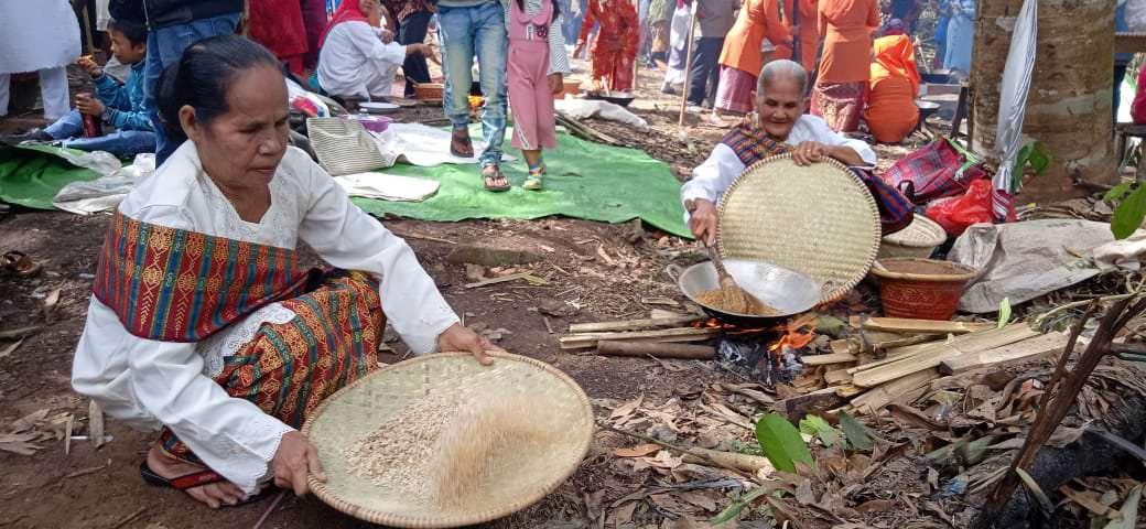 Melihat Gelar Festival Ngamping Bungas Setaon