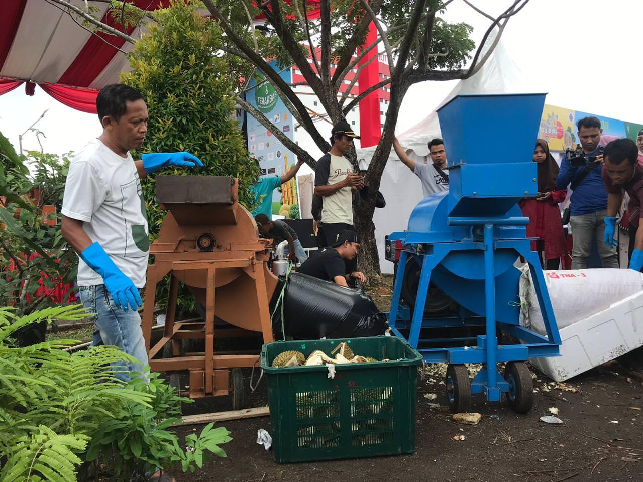Rumah Pupuk Organik Ubah Kulit Durian jadi Pupuk