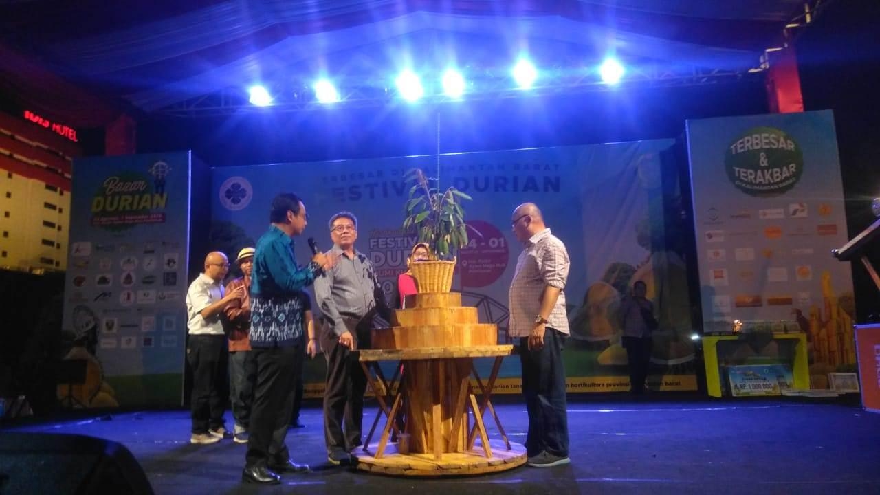 Transaksi Festival Durian Bumi Khatulistiwa Capai Rp2 Miliar