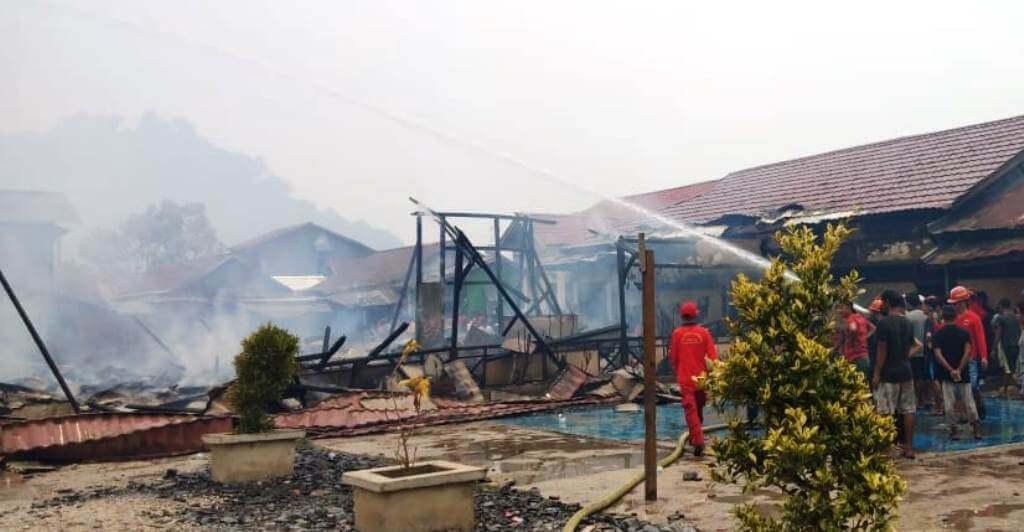Enam Lokal Kelas SD Negeri 12 Pemangkat Ludes Terbakar