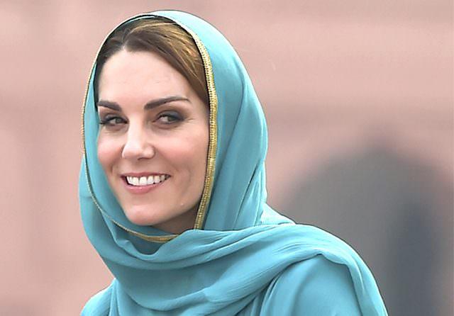 Kate Middleton dan Baju Tradisional Pakistan