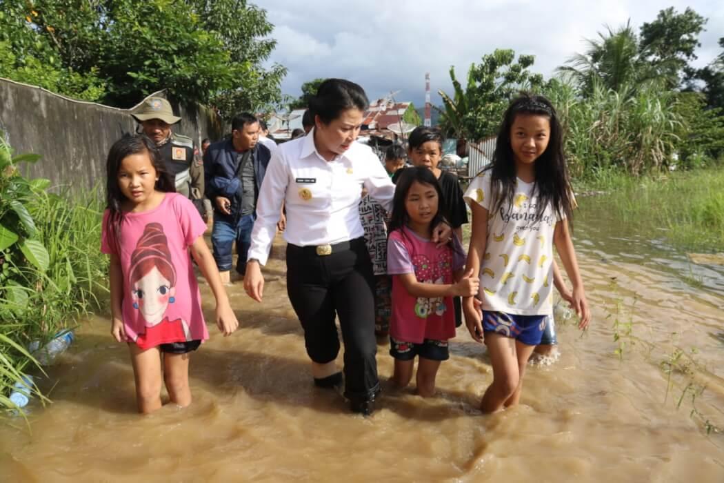 Tjhai Chui Mie Pantau Banjir di Pasar Baru