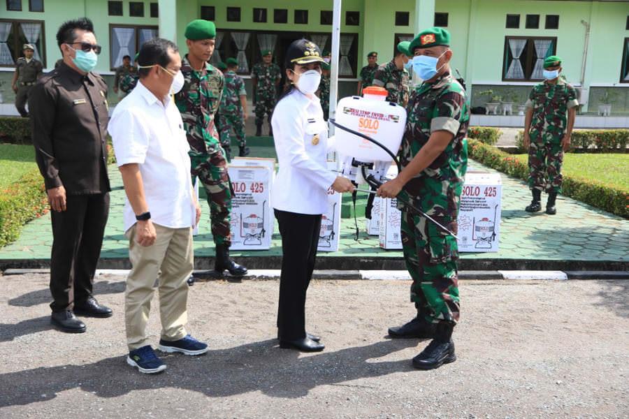 Walikota Bantu 10 Hand Sprayer untuk Brigif 19