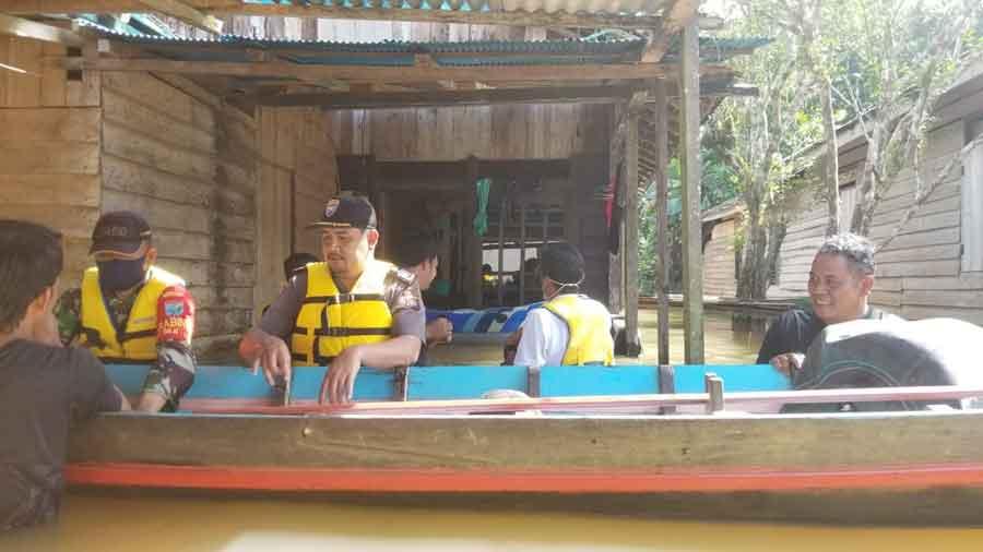 851 KK Warga Ketapang Terdampak Banjir